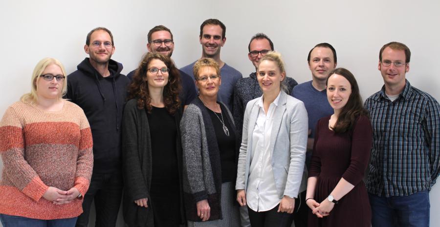 Die Tutorinnen und Tutoren des 10. Jahrgangs 2019 (v.l.): Frau Fialkowski, Herr Tönjes, Frau Kadelke, Herr Modder, Frau Bohlen, Herr Weber, Herr Witte, Frau Hillbrands, Herr Kehl, Frau Schöne, Herr Geus