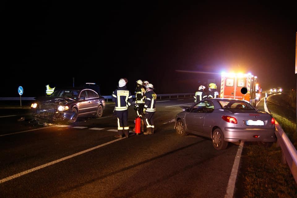 Verkehrsunfall mit zwei Pkw 26.11.2020