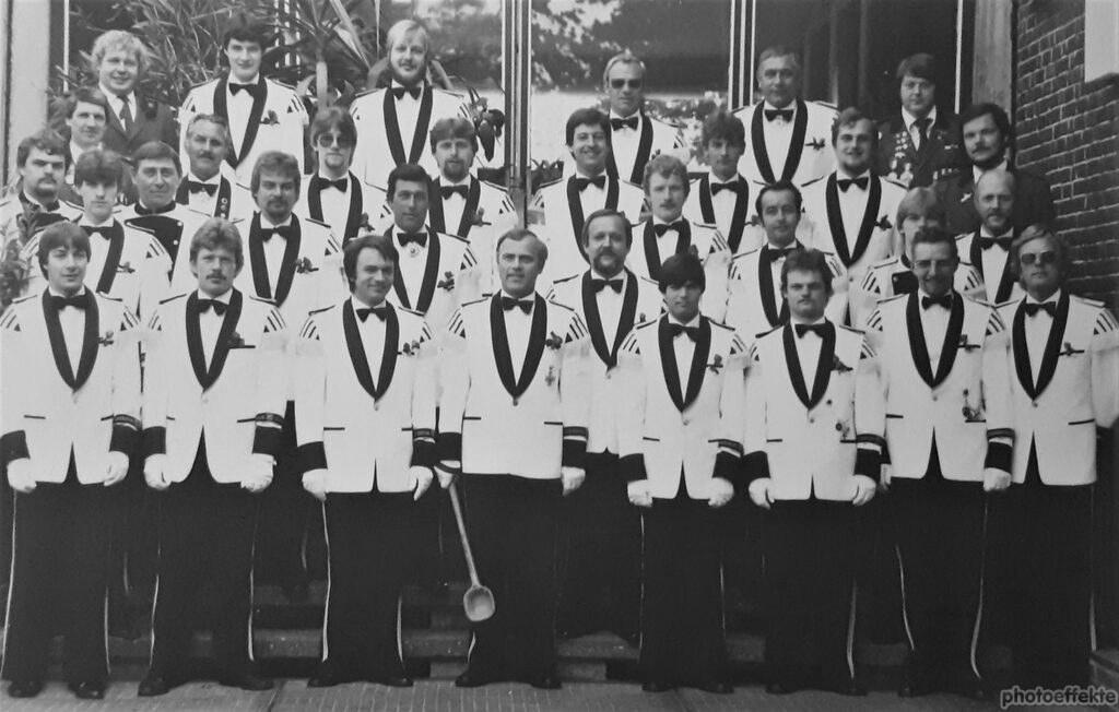 1982-Schwarz-Weißes Rott