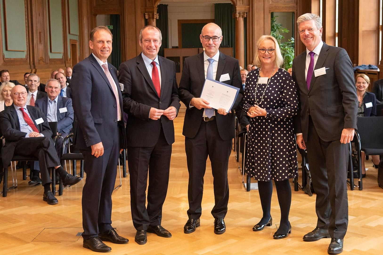 MP a.D. Dieter Althaus, PSt. Oliver Wittke, Prof. Achim Wambach, Dr. Birgit Ortlieb, Dr. Ansgar Tietmeyer (v.l.)