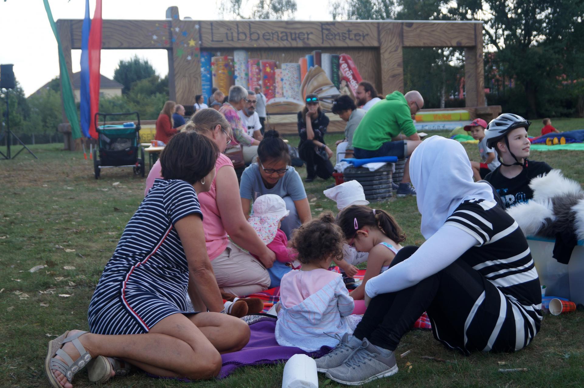 Interkulturelles Picknick zur Eröffnung des Lübbenauer Fensters, Quelle: Lübbenaubrücke