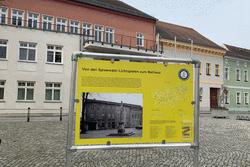 Beispiel einer der insgesamt 30 Ausstellungstafeln am Rathaus