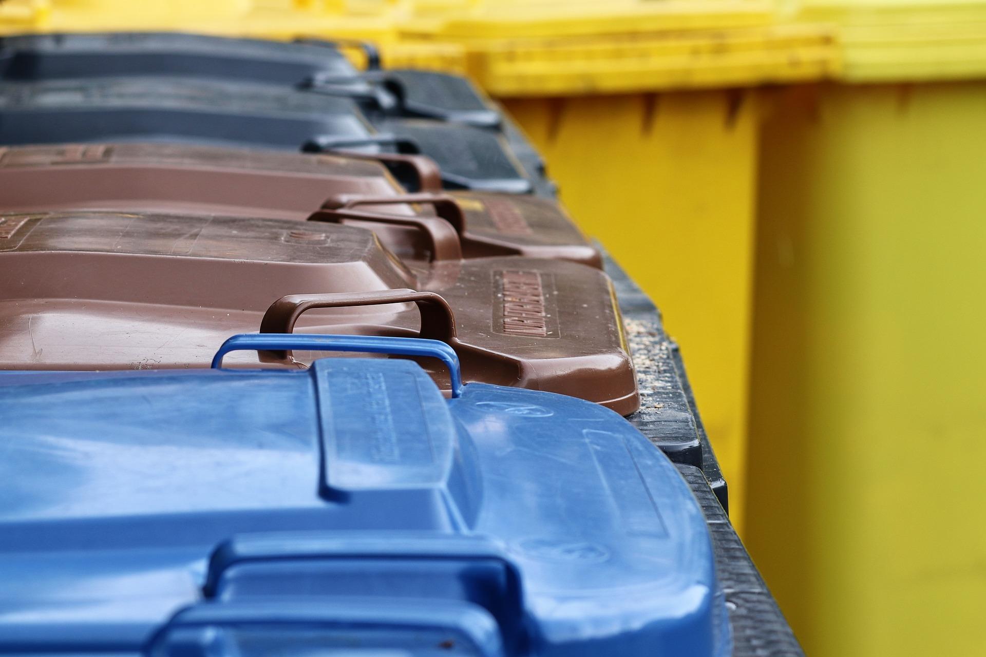 Bild Mülltonnen, Quelle: Bild von Manfred Richter auf Pixabay