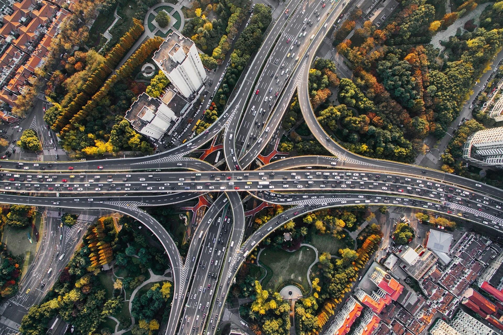Bild Autobahnkreuz, Quelle: Bild von Pexels auf Pixabay