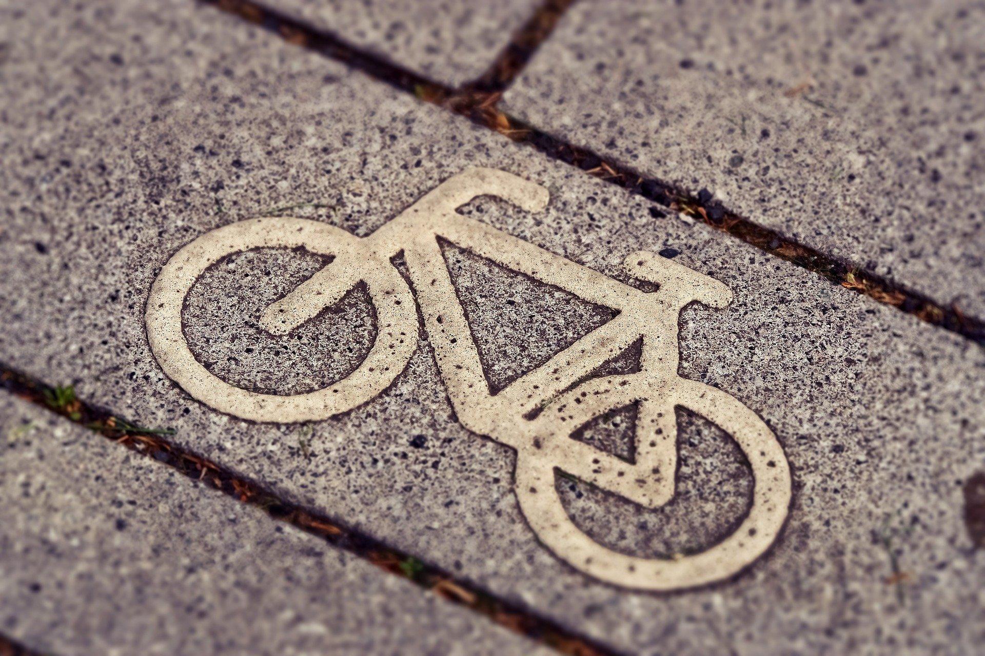 Fahrradweg, Quelle: Bild von MichaelGaida auf Pixabay