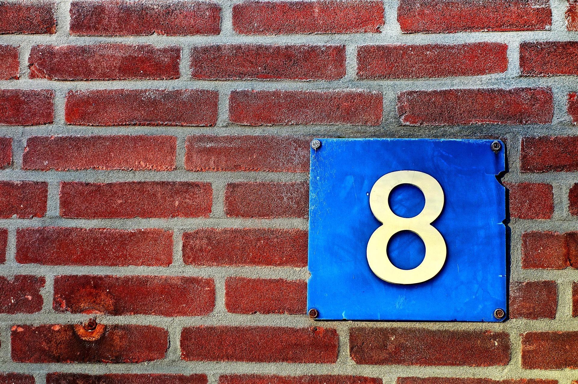 Bild Hausnummer, Quelle: Bild von Mabel Amber auf Pixabay