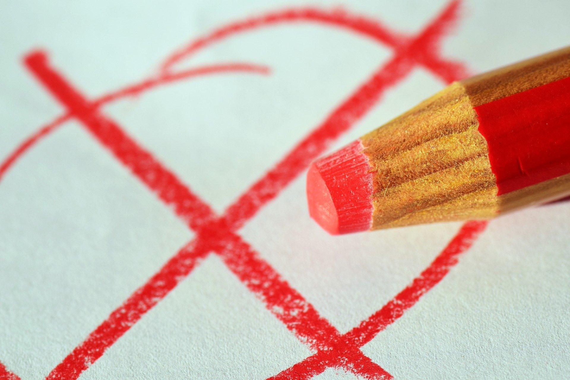 Bild rotes Kreuz Stimmzettel, Quelle: Bild von Ulrike Leone auf Pixabay