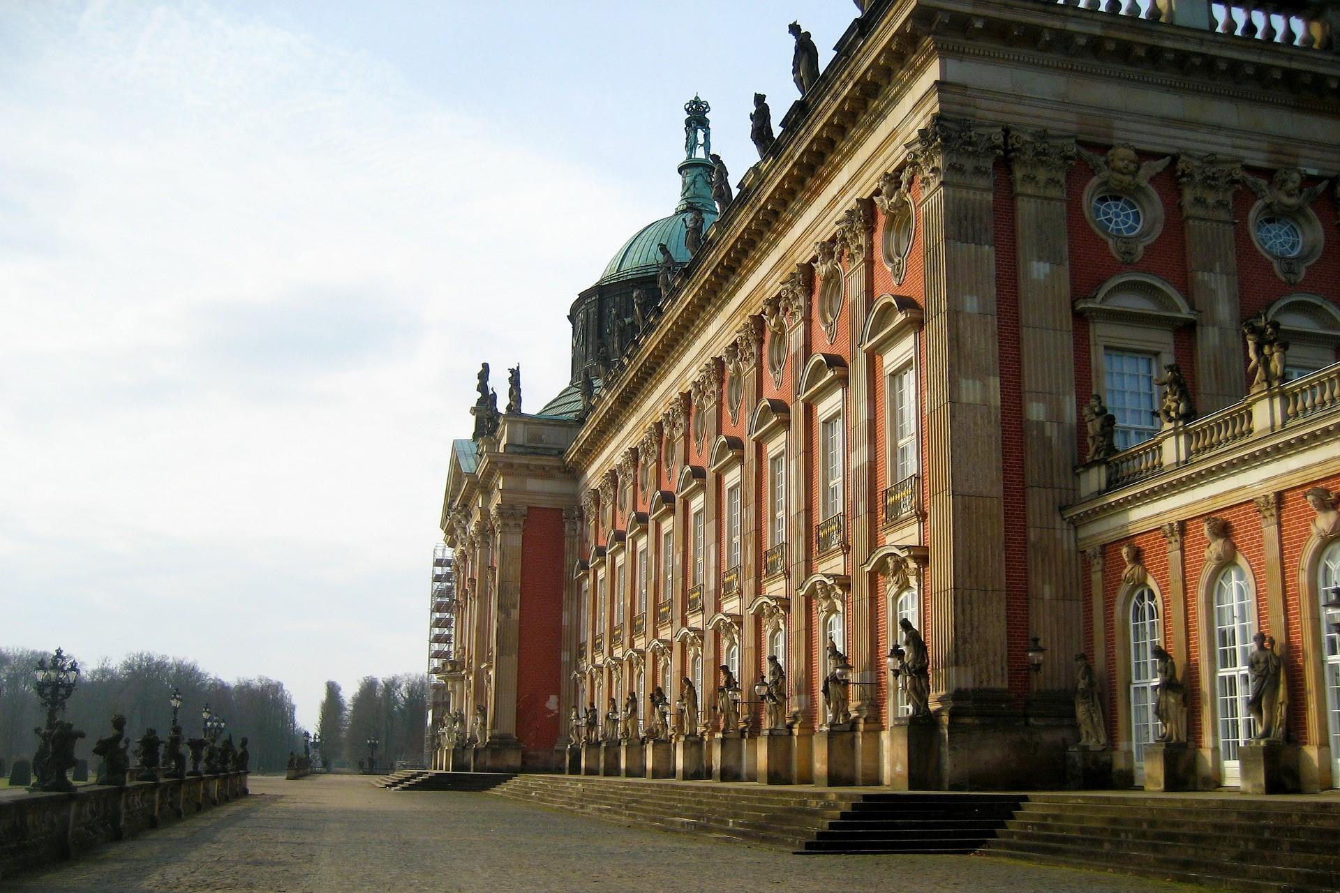 Bild Landtag Potsdam, Quelle: Bild von Ronile auf Pixabay