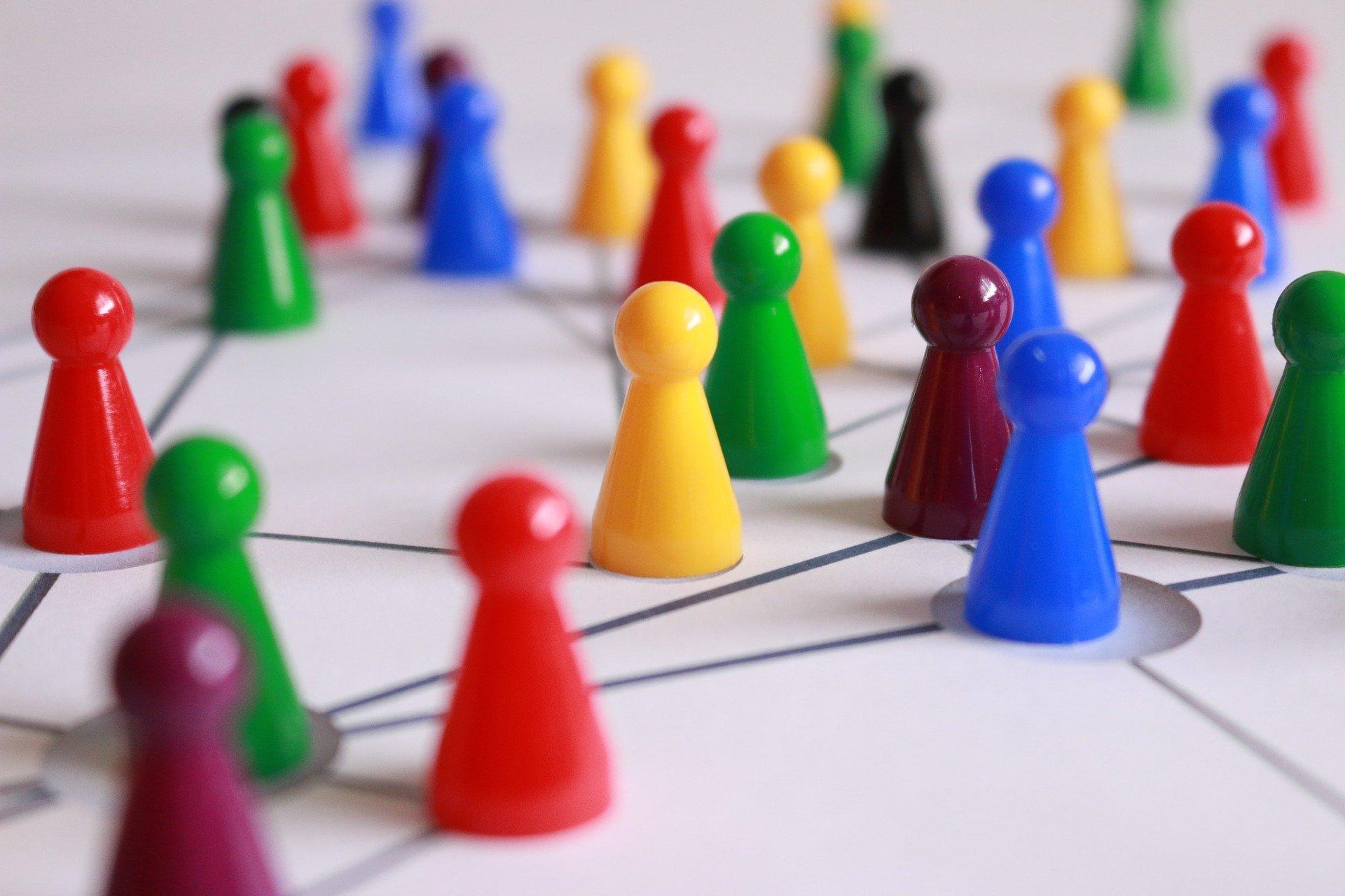 Spielfiguren, Quelle: Bild von Gerd Altmann auf Pixabay