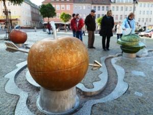 Wasserspielplatz - Apfel gelb und mehr 300x225