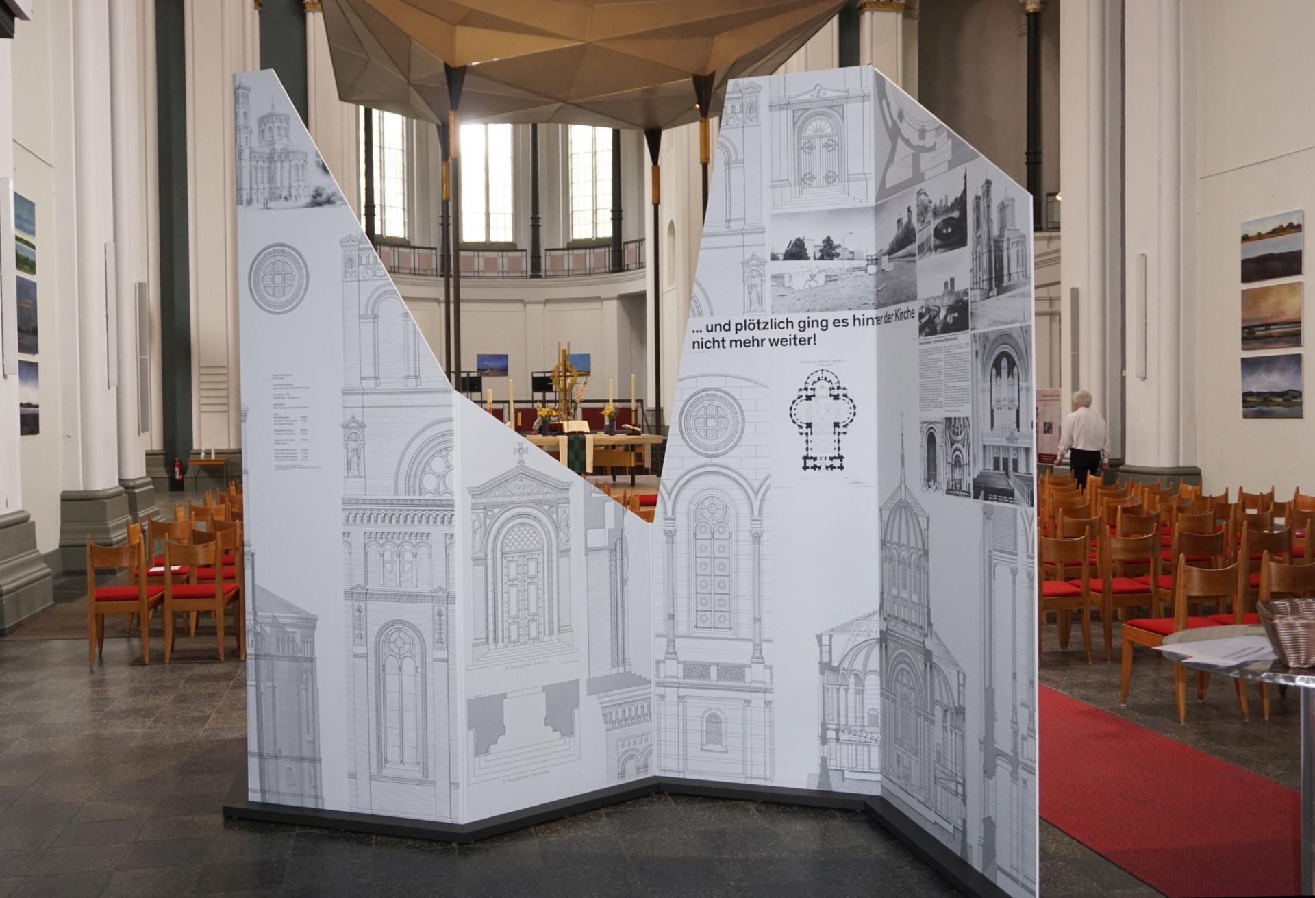 Ausstellung Baupläne Kirche