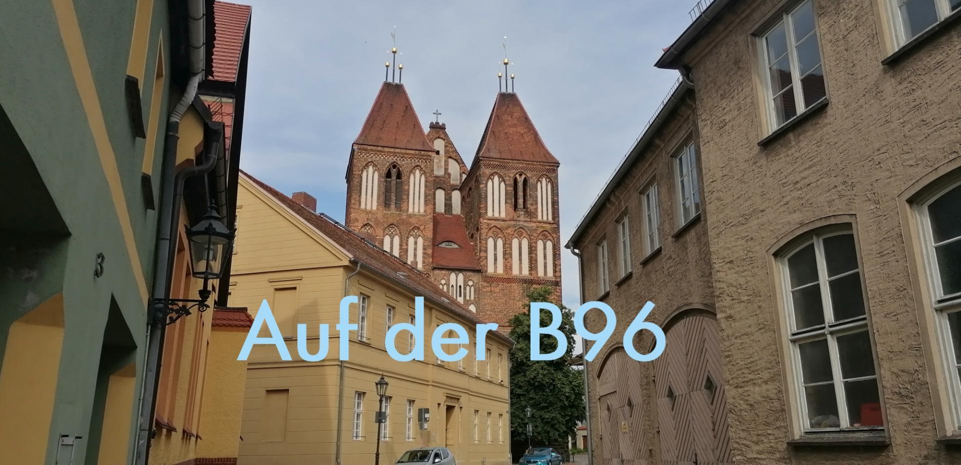 Auf der B96/Nikolaikirche Luckau - Ausstellung im Landratsamt. Foto: Dörthe Ziemer