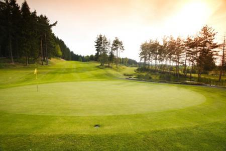 golfplatz_bahngruen.jpg