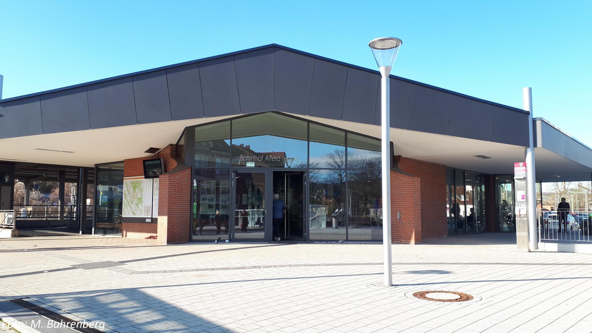 Bahnhofsgebäude mit Nachweis