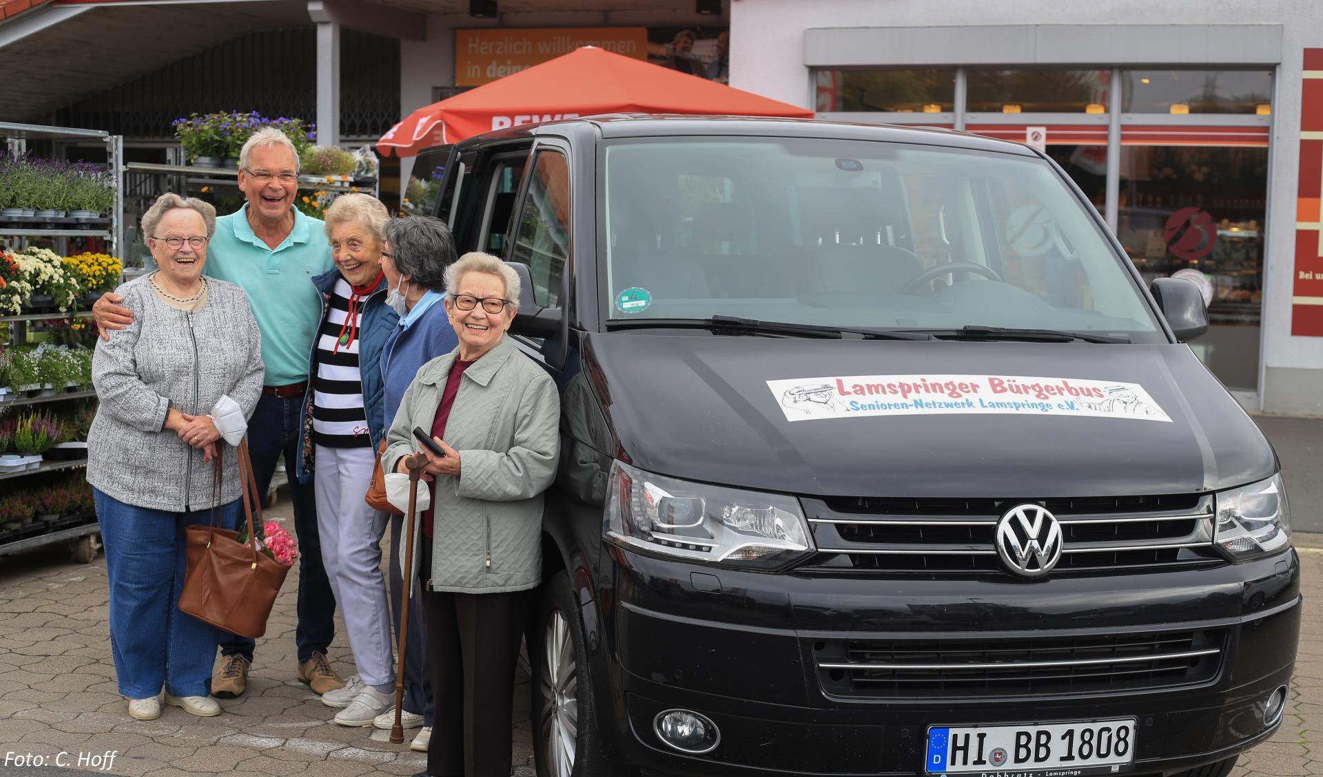Bürgerbus m N