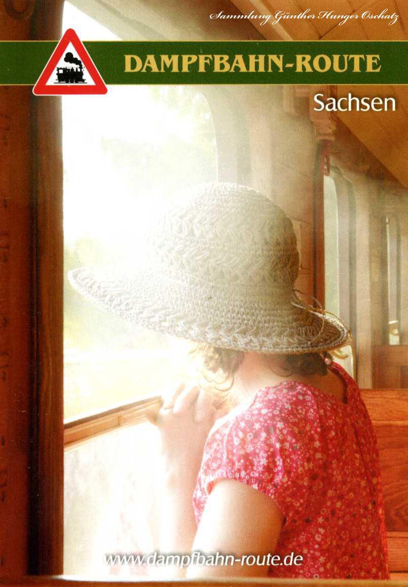 Dampfbahn-Route Sachsen Schmalspurfahrt im Traditionszug am offenen Wagenfenster