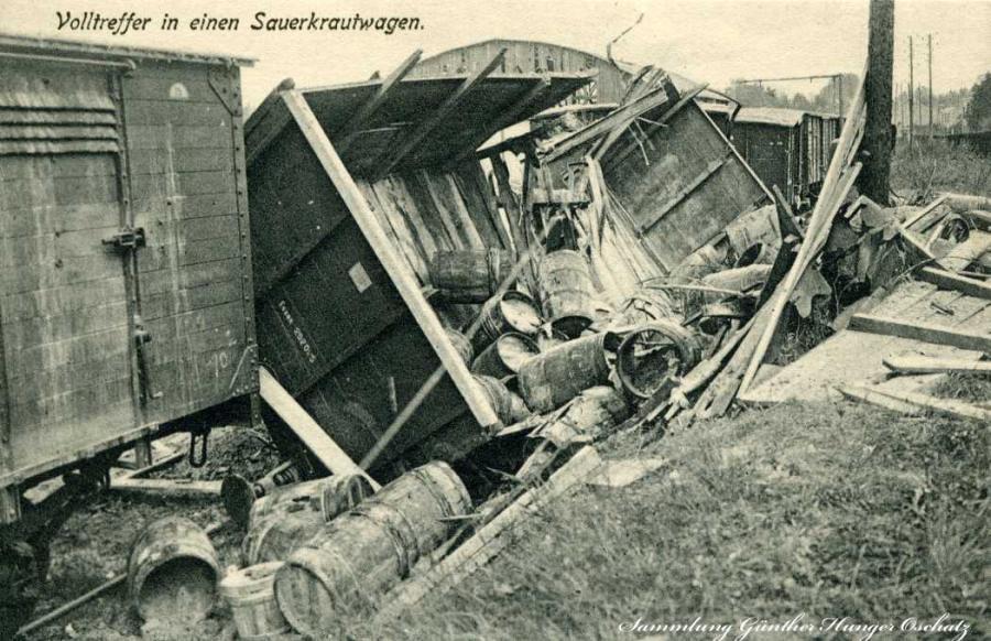 Volltreffer in einen Sauerkrautwagen
