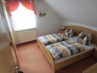 1 von mehreren Schlafzimmern