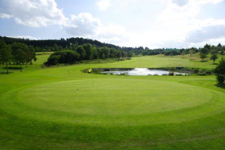 golfplatz_bahn_wasserhindernis.jpg