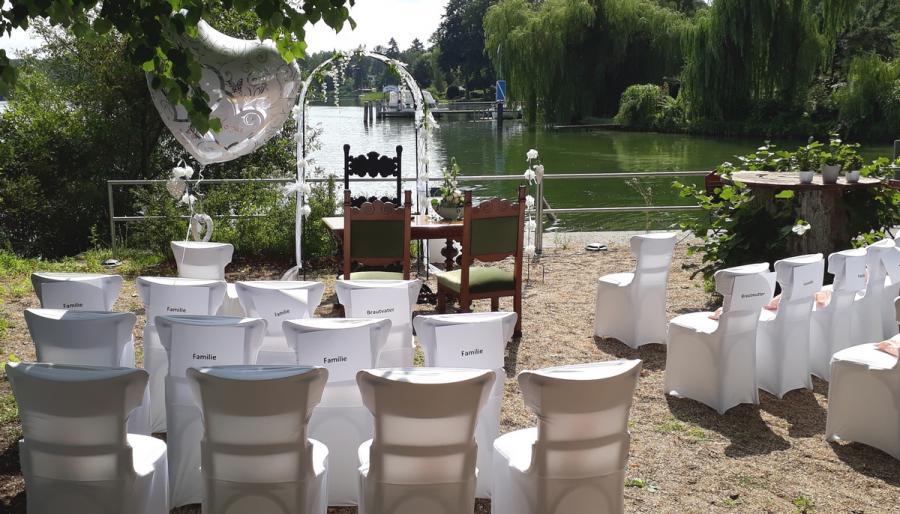 Heiraten am Wasser: Heydewirt am Peetzsee