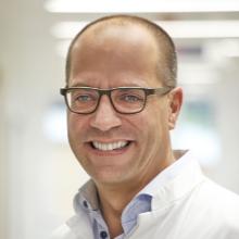 Chefarzt Dr. Peter Flies