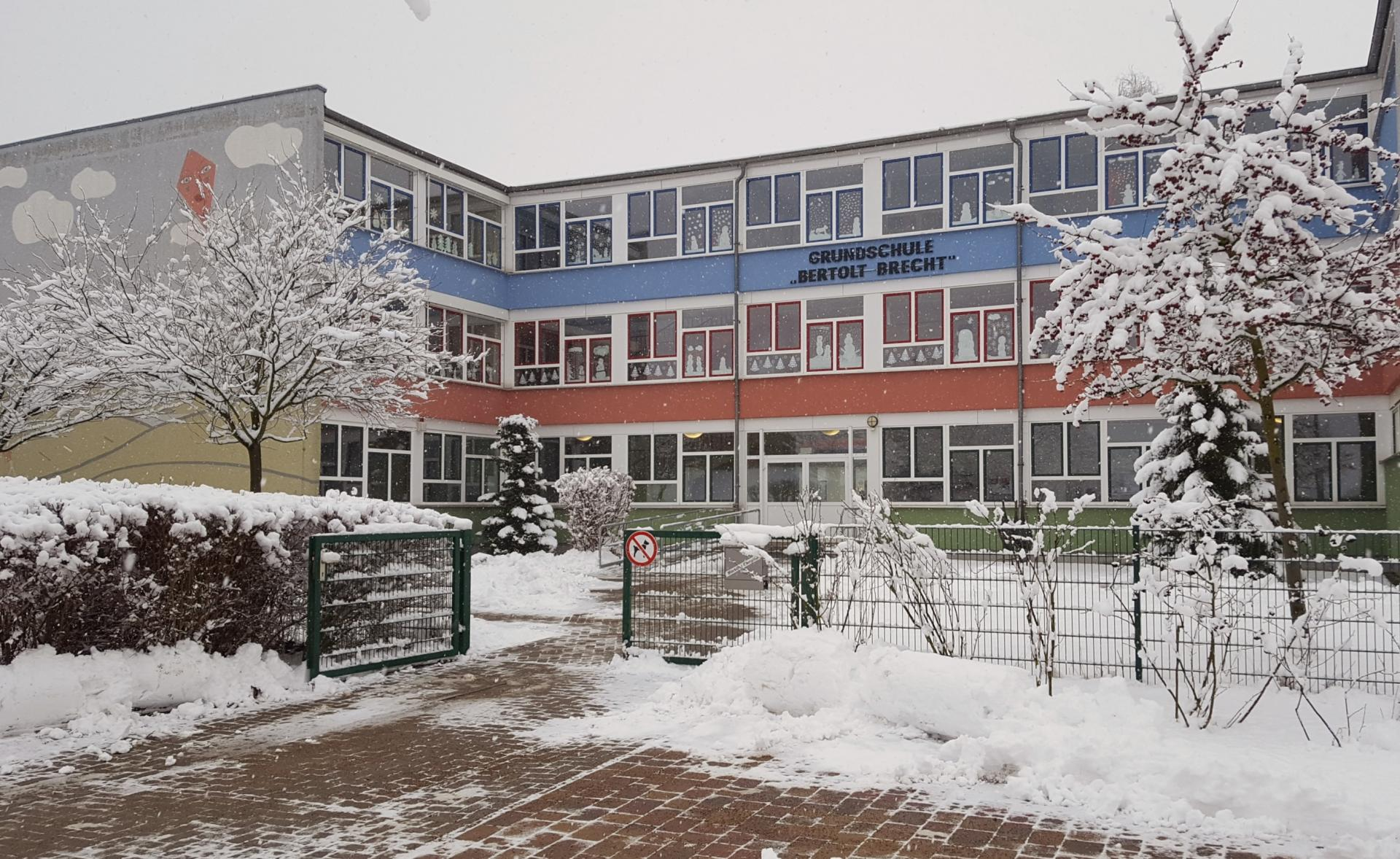 Schule Winter