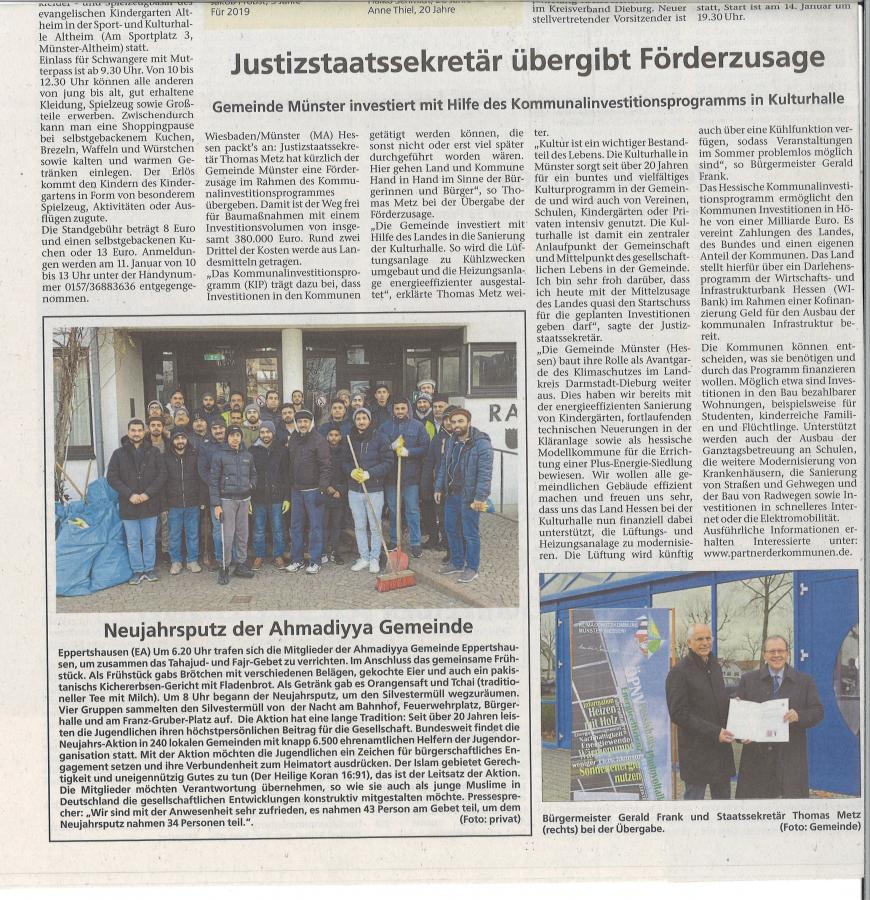 Übergabe Förderbescheid Sanierung Kulturhalle Staatssekretär Metz
