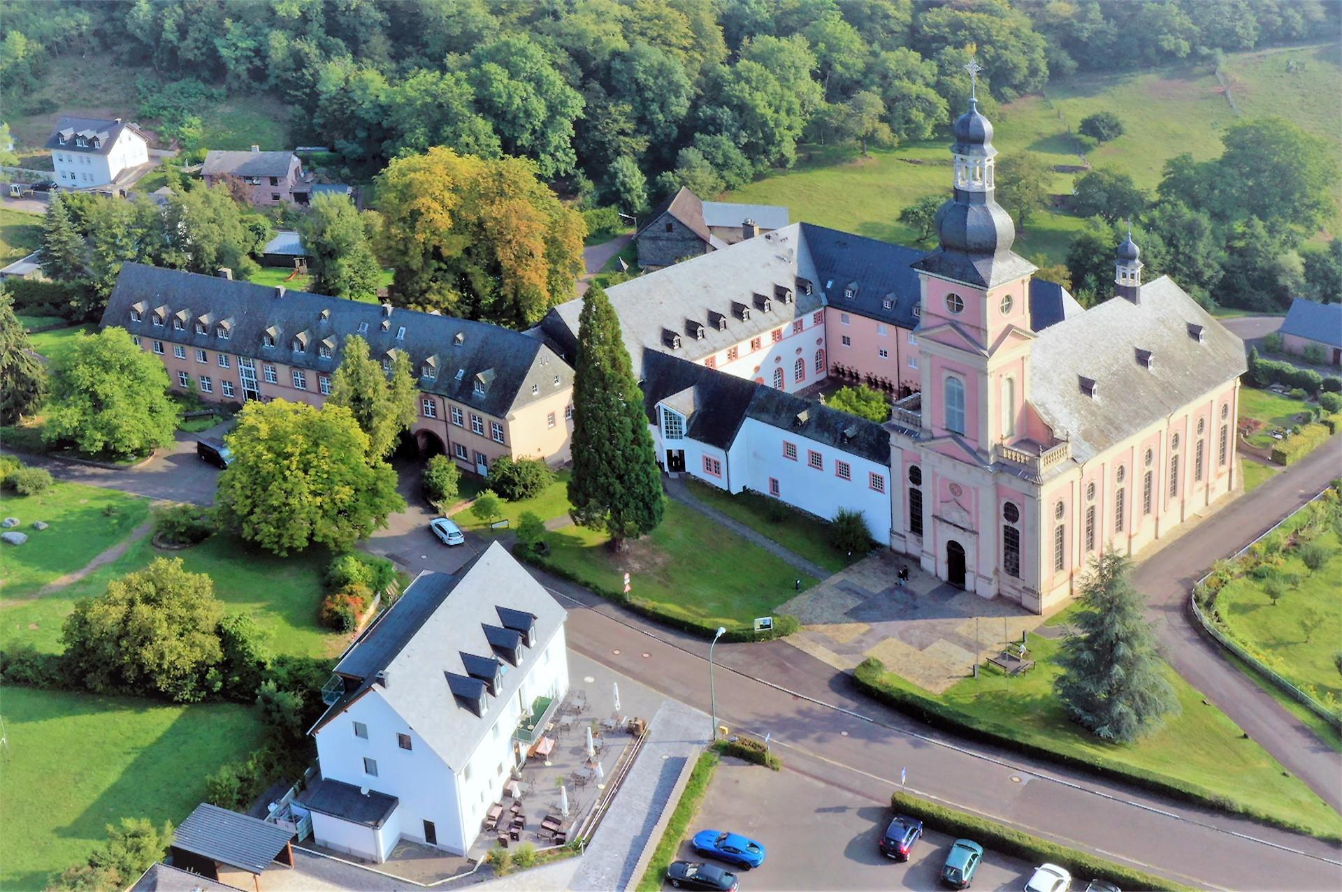 Luftbild Kloster Springiergsbach ©Pfaffe