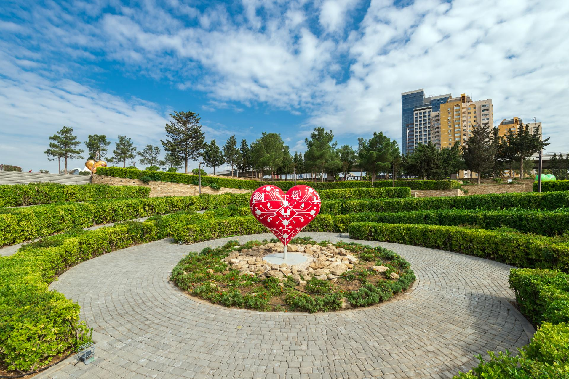 Azerbaijan_Baku _Love You Park_copyright_tourismboard.az