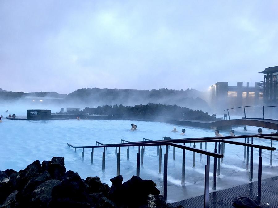 love around the world_Island_Reykjavik_Bild von rstefano12 auf Pixabay