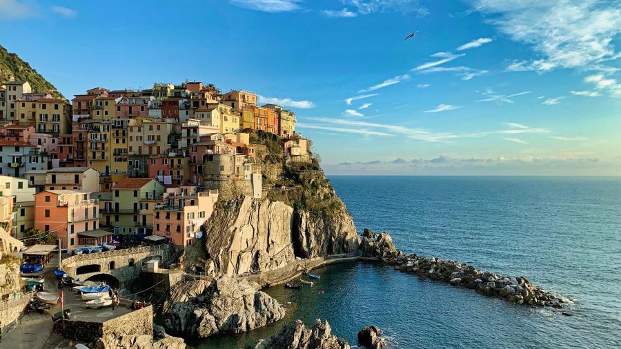 love around the world_Italien_Cinque Terre_Bild von Tristan MIMET auf Pixabay