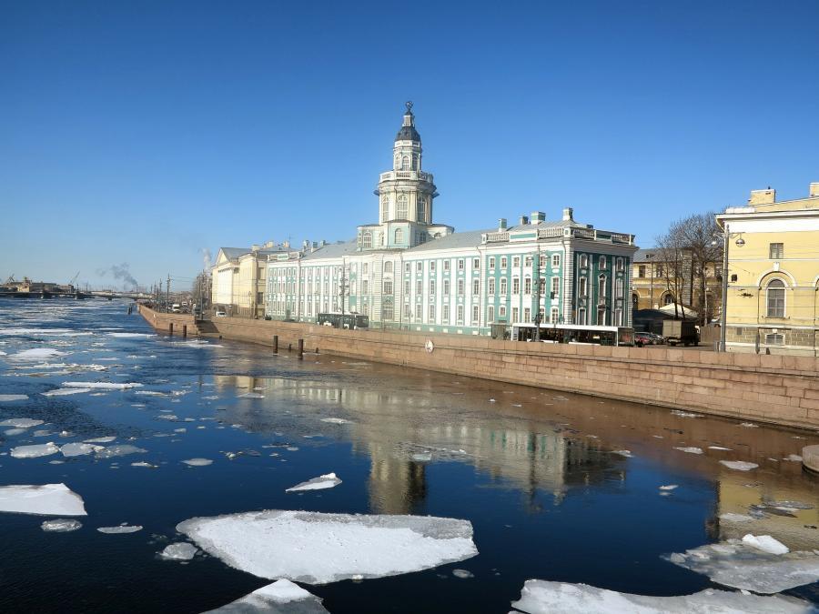 love around the world_Russland_Sankt Pertersburg_Bild von David Mark auf Pixabay