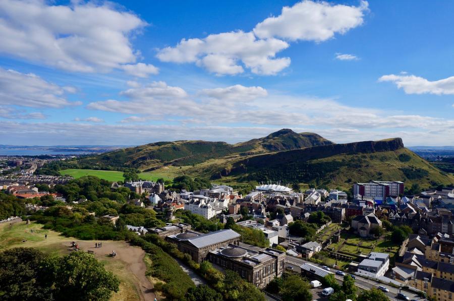 love around the world_Schottland_Edingburg_Bild von Anthony Ashley auf Pixabay