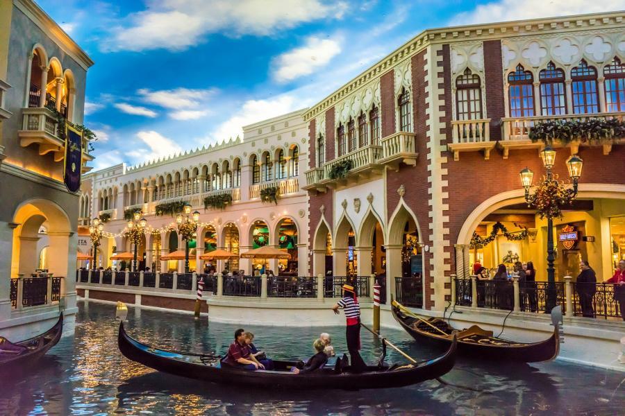 love around the world_USA_Nevada_Las Vegas_Bild von Michelle Maria auf Pixabay