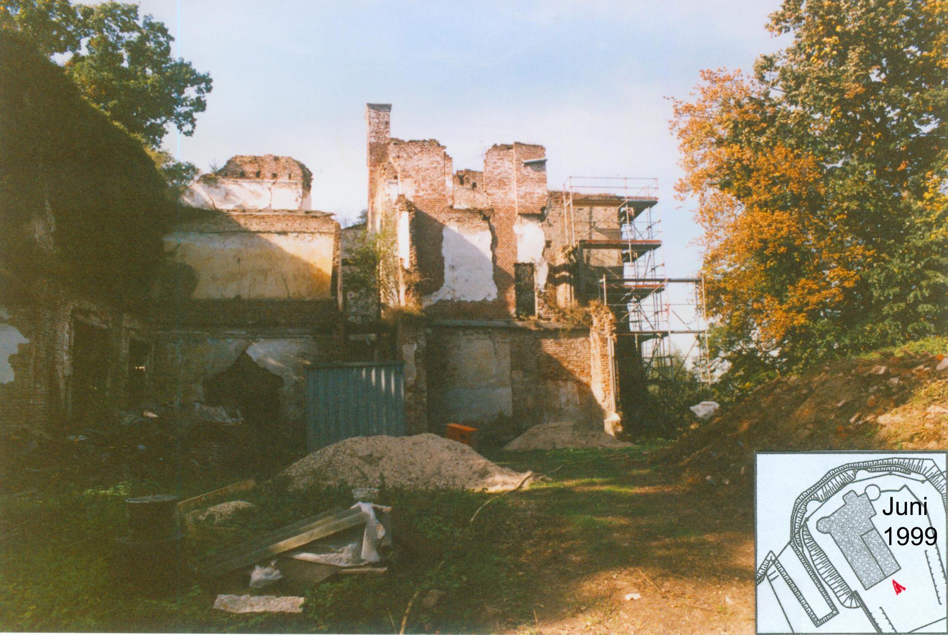 Foto 1995 von Südosten - Totalruine