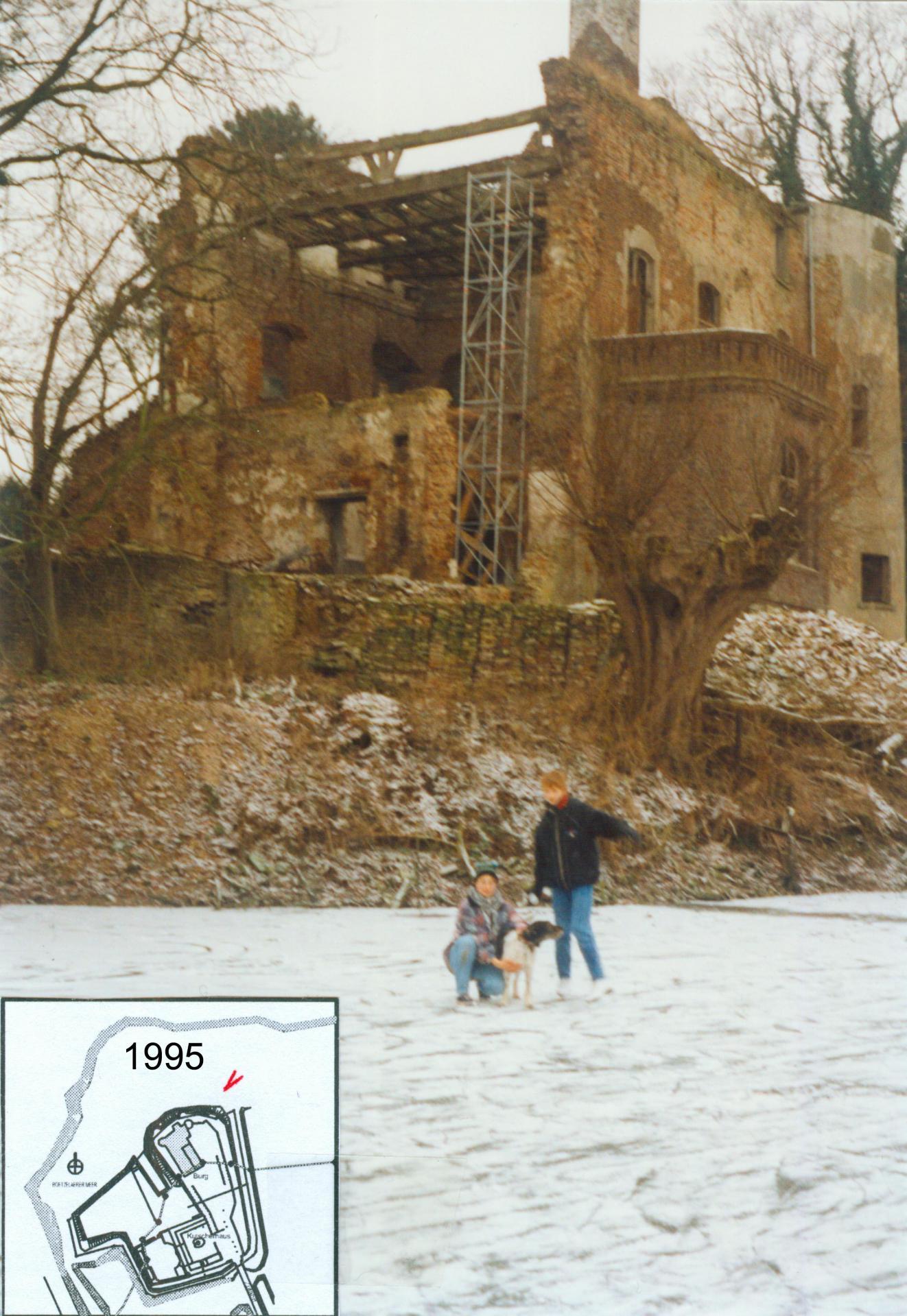Foto 1995 v. Nordosten – Totalruine