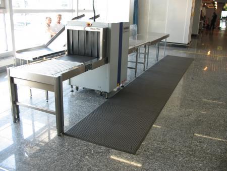 Airport-Gepäckkontrolle