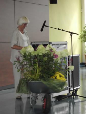Frau Dr. Rügen