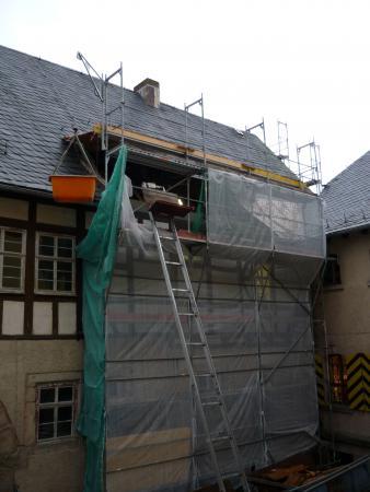 Arbeiten am Vorderbau im Innenhof Schloss Eisfeld. 15.1.2014.jpg