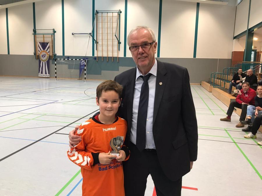 Detlef Müller stellv. Vorsitzender des LFV war zu Besuch bei den Endrunden der E-Junioren