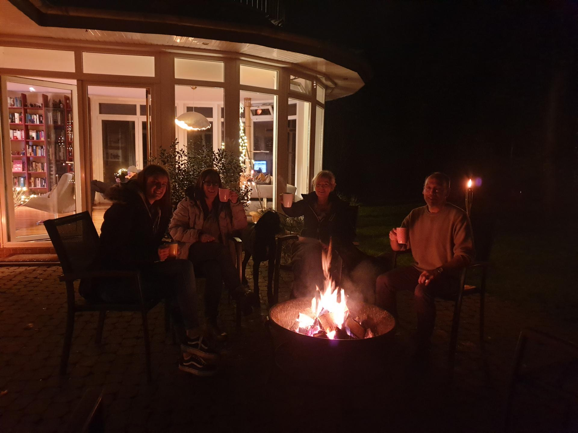 Am Feuerkorb