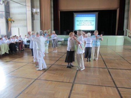 Tanz in die Gesundheitswoche