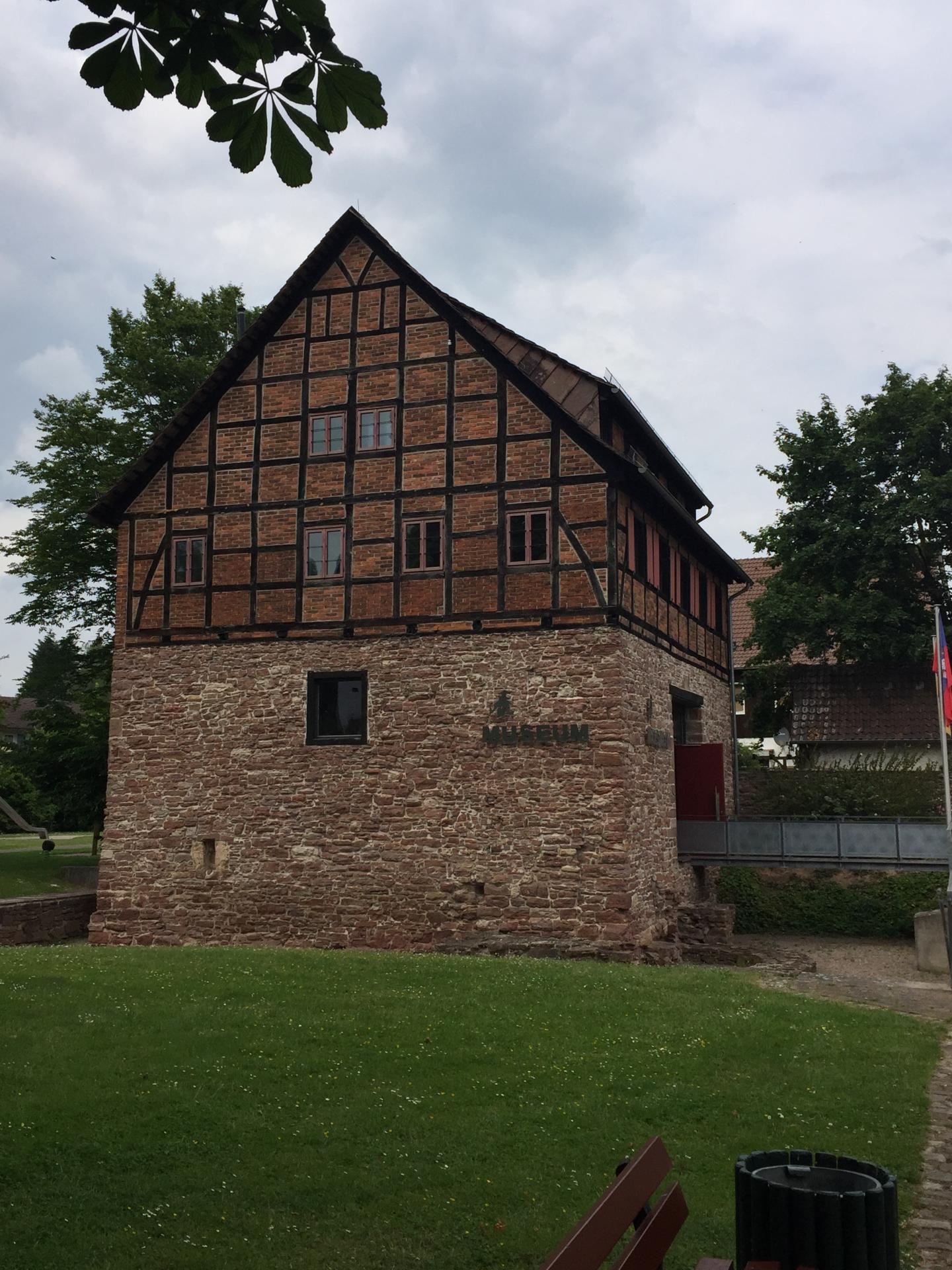 Die Schulenburg als Zehntscheune und Wirtschaftsgebäude