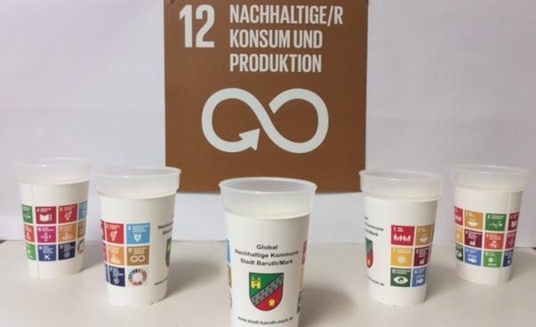 Mehrwegbecher mit SDG Icon