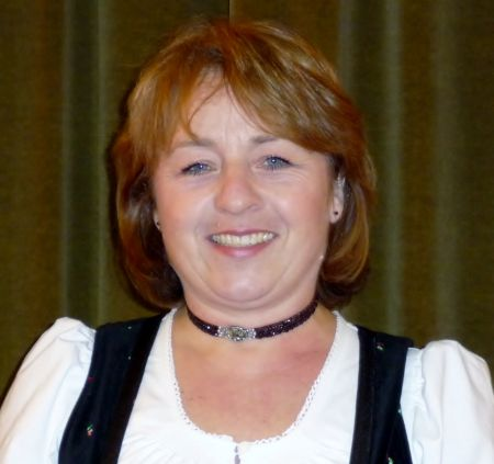 Barbara Kronast Jugendleitung.jpg