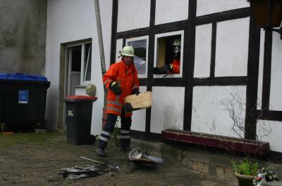 VU bei Rohden / Wohnungsbrand in Barksen
