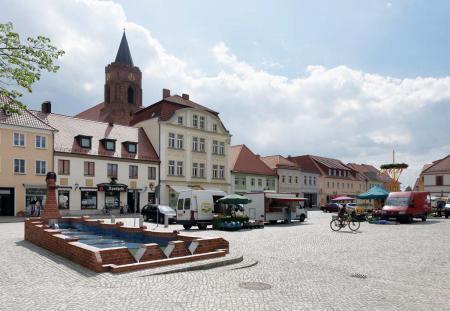 Markt mit Brunnen