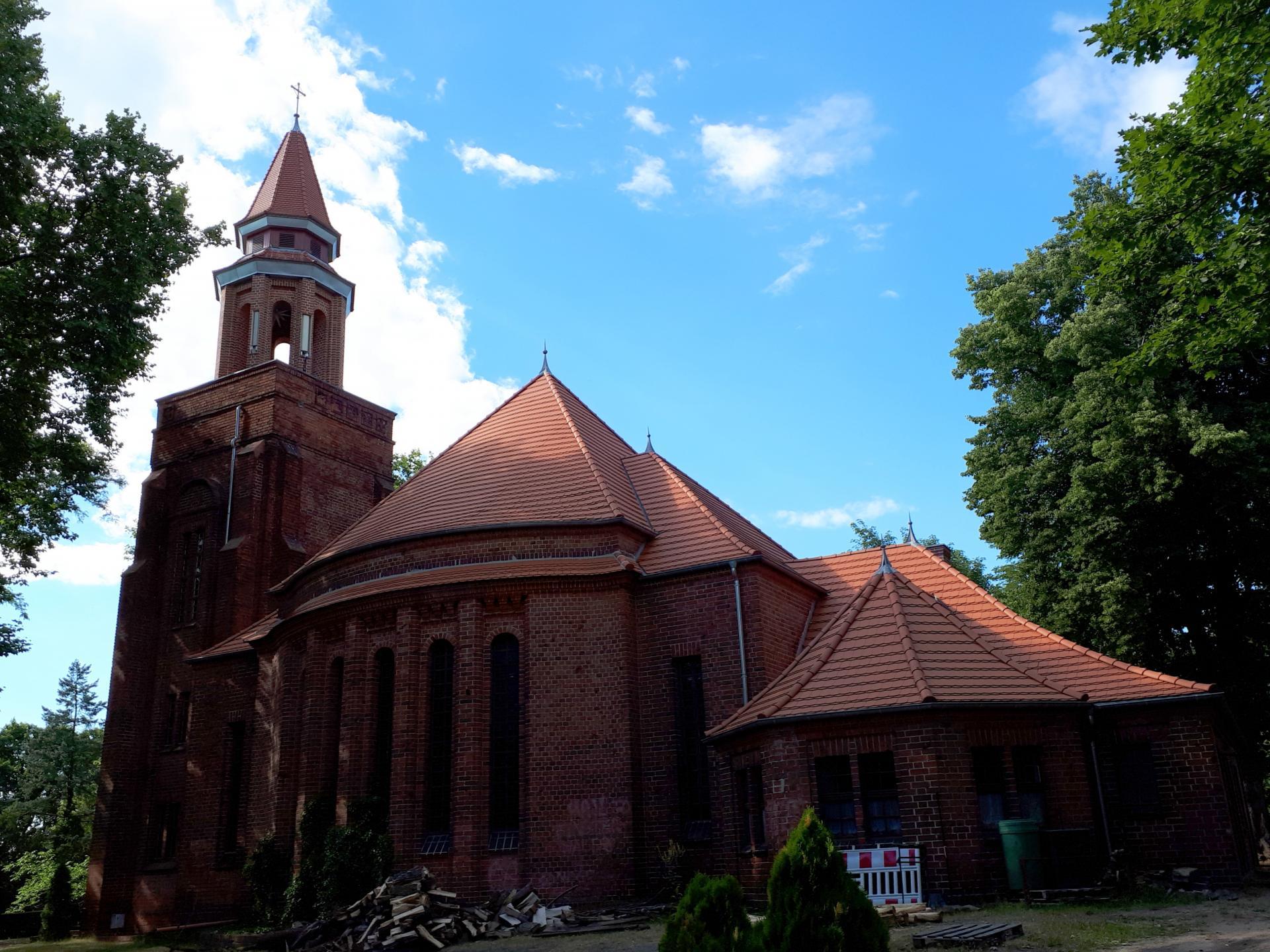 Weinbergfriedhof Kirche