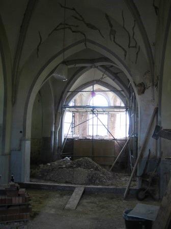 Blick in das Mittelschiff vor der Sanierung