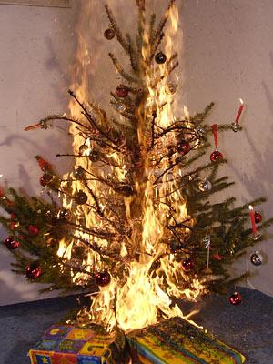 Brennender_Weihnachtsbaum.jpg